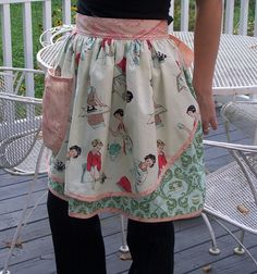 I really have a thing for this apron!