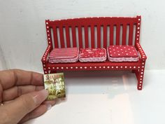 dollhouse miniature cushions for the garden bench cushions are DIY by Dany's Minis