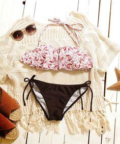 【ZOZOTOWN|送料無料】SEA DRESS(シードレス)の水着「ペイズリー風フラワー柄フレアバンドゥビキニ」(DPJR0299)を購入できます。