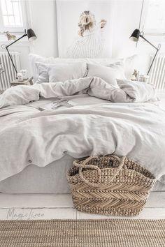 Linen bedding set in Light Gray. King / Queen linen duvet cover set with 2 pillo. - Linen bedding set in Light Gray. King / Queen linen duvet cover set with 2 pillowcases. Bed Linen Sets, Linen Duvet, Bed Sets, Duvet Sets, Duvet Cover Sets, Bed Covers, Queen Bedding Sets, Linen Sheets, Linen Fabric