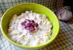 Lilahagymás-majonézes kukoricasaláta