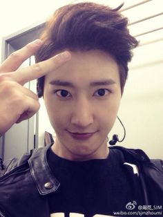 He's beautiful <3 Zhou Mi.