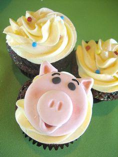 Toy Story pig cupcake