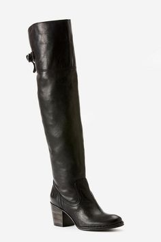 Frye Lucinda Boot. i would do anything for these.