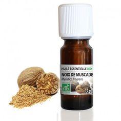 L'huile essentielle de Muscade est euphorisante et réconfortante. C'est un excellent stimulant qui remonte le moral et inspire créativité et imagination. Elle est également réputée pour favoriser le confort musculaire et articulaire et est idéale pour tonifier le corps et l'esprit.