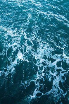 6257 Deep Blue Rough Ocean Water Backdrop - Backdrop Outlet