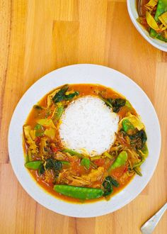 Tomato & Coconut Banana Blossom Curry |Euphoric Vegan Recipes With Banana Peppers, Stuffed Banana Peppers, Banana Blossom, Banana Flower, Tomato Curry, Spinach Curry, Cooking Basmati Rice, Meat Substitutes