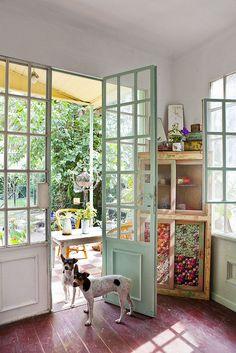 Colores Verdaderos - Revista Living agosto 2013 | Derechos R… | Flickr Style At Home, Casa Mix, Cafe Interior, Interior Design, Casa Loft, Dream Decor, Inspired Homes, Home And Living, Sweet Home