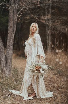 A gorgeous vintage lace boho long sleeve V-neck styled gown! Perfect for any Photoshoot! *Reclaimed Antique Lace will show minor flaws Maternity Dresses For Photoshoot, Maternity Gowns, Maternity Fashion, Vintage Maternity Photos, Bohemian Maternity Dress, Fall Maternity Photos, Long Sleeve Maternity Dress, Maternity Styles, Pregnancy Photos
