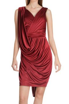 #Red #dress Nude #dress #Thebestshowroom  #Showroom #outlet #lookdecarrie C.C. Monteclaro Pozuelo de Alarcón  #multimarca #lowcost  #tienda #ccmonteclaro #Bloggers #fashion #vogue #elle #estilo #model #moda #look  #rebajas #fashionbloggers #fabulosa #woman #madrid #CentroComercialMonteclaro