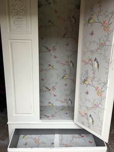 Upcycled Furniture Armoire Ideas 38 Ideas For 2019 Hand Painted Furniture, Refurbished Furniture, Repurposed Furniture, Furniture Makeover, Hensvik, Furniture Projects, Diy Furniture, Shabby Chic, Wardrobe Furniture