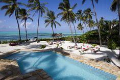 Die Raha Lodge Zanzibar liegt am Strand in Jambiani und bietet einen eigenen Strandbereich und einen Außenpool.
