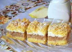 Szarlotka z bezą i kruszonką Polish Recipes, Apple Cake, Fabulous Foods, Cake Cookies, Cupcakes, Caramel Apples, Vanilla Cake, Food And Drink, Cooking Recipes