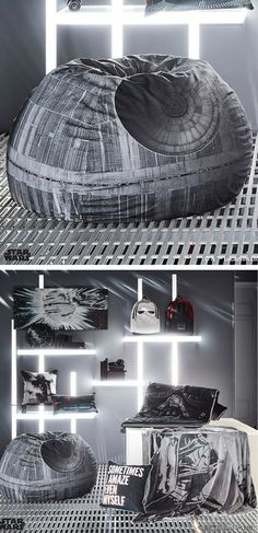 Really cool detailed Death Star bean bag. I love bean bags. #starwars #deathstar #beanbag #StarWarsHome #commissionlink