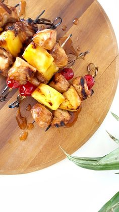 Mini chicken skewers with pineapple and sweet and sour sauce - Wooloo