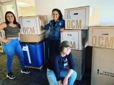 It's the most wonderful time of the year! Move 🕺 In 💃 SZN 👏 !!! . . @USFCARHA RHAs are delivering OCM packages to the residence halls at @usfca! Have you ordered your #OCMBedding yet? There's still time before the semester starts!   #bedroom #designgoals #ocmcollegelife #dormgoals #dormdecor #mattresstoppers #bedding #campusliving #findyourstyle #dorm #dormlife #student #universityapproved #usfca #california #rha #ralife #movein #newdorm #bedding #campuslife #students #helpers