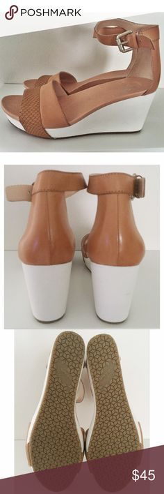 """🆕 Adorable nude & white wedges 💗Never worn, great condition! A dual-density Meringue footbed provides amazing comfort in this wedge  * 3 1/2"""" heel; 1 1/2"""" platform  * 3 1/2"""" ankle strap height. * Adjustable ankle strap with buckle closure; inset elastic goring. * Leather upper/synthetic or leather lining/synthetic sole.  ❌No Trades ❌  🔵All offers via offer button🔵 Dr. Scholl's Shoes Wedges"""
