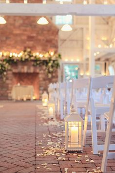 Photography: Vanessa Joy Photography - www.vanessajoy.com  Read More: http://www.stylemepretty.com/2015/04/28/romantic-winter-wedding-at-the-ashford-estate/