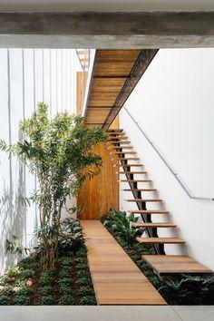 Home Decor Accessories, Stairs Design, Cheap Home Decor, House Design, Cozy House, Grill Design, Interior Garden, Outdoor Stairs, Garden Design