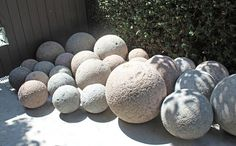 Mobile LiveInternet Decorative balls of cement for the garden. Ideas and a master class Exterior Gray Paint, House Exterior Color Schemes, House Paint Exterior, Exterior Design, Front Door Landscaping, Bungalow Landscaping, Farmhouse Paint Colors, Paint Colors For Home, House Paint Color Combination