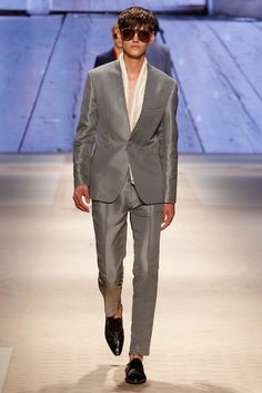 http://www.style.com/slideshows/fashion-shows/spring-2016-menswear/etro/collection/29