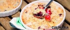 Sobremesa deliciosa com cerejas. Crumble de cerejas. Querem provar? http://www.teleculinaria.pt/receitas/crumble-de-cerejas/
