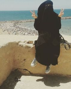 Arab Girls Hijab, Muslim Girls, Muslim Women, Niqab Fashion, Muslim Fashion, Hijabi Girl, Girl Hijab, Girly Dp, Alone Girl