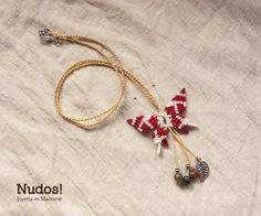 Mariposa roja con jade de Nudos! por DaWanda.com Collar Macrame, Macrame Necklace, Knots, Jade, Diy And Crafts, Etsy, Earrings, Beading, Necklaces
