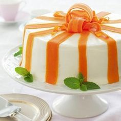 Our gorgeous carrot cake — embellished with fresh carrot ribbons — is the perfect way to end an elegant Easter dinner.Get the recipe for Carrot Ribbon Cake Pretty Cakes, Beautiful Cakes, Formation Patisserie, Easter Cake Easy, Easter Buffet, Ribbon Cake, Desserts Ostern, Cake Recipes, Dessert Recipes