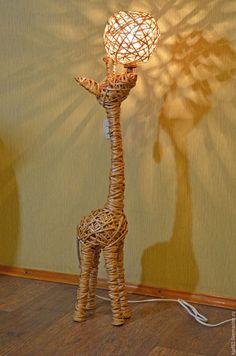 """Освещение ручной работы. Ярмарка Мастеров - ручная работа. Купить плетёный из лозы """"жираф"""". Handmade. Бежевый, светильник ручной работы"""