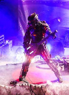 robotic rockstar Listen to over 7 million edm tracks on www. Jack Warner, Daft Punk, Film Music Books, My Favorite Music, Edm, Cyberpunk, Robot, Bass, Diesel