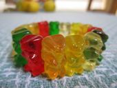 How to make a gummy bear bracelet. Oh boy!