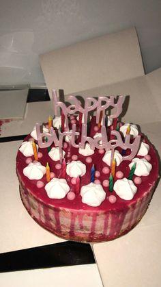 Ig:Irdianasyahrani snap food, date recipes, bithday cake, fun desserts, restaurant 17 Birthday Cake, Bithday Cake, Birthday Goals, Chocolate Cream Cake, Cake Story, Cakes Plus, Snap Food, Food Snapchat, Arabic Food