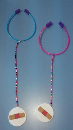 Stethoscope craft image only I think I saw one like this for a lesson about Jesus heals where the circle part of the stethoscope had a heart or a cross or a verse or some. Community Helpers Preschool, Preschool Lessons, Kindergarten Activities, Preschool Activities, People Who Help Us, Child Life Specialist, Community Workers, Craft Images, Church Crafts