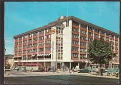 Trondheim. Prinsen Hotel. Mittet 559/26. Buss/biler.1950-tallet