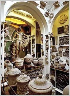 Sir John Soane's Museum - architektura, kuriozity.    Zajímavé informace o muzeích v Londýně najdete zde: http://info.radynacestu.cz/muzea-v-londyne/