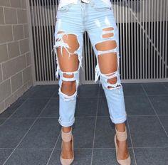 Whitefox Boutique ripped boyfriend jeans // Patrizia Conde