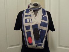R2D2 inspired Infinity scarf by NerdAlertCreations on Etsy | Star Wars droid clothing clothes r2-d2