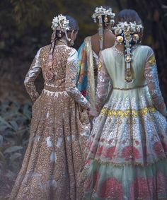 MAHTAAB Bridal couture 2018 Being your wife makes me feel content and complete. This contentment is like a morning light in my life which… Pakistani Couture, Indian Couture, Pakistani Bridal, Indian Bridal, Pakistani Wedding Outfits, Pakistani Dresses, Indian Dresses, Indian Outfits, Wedding Lehanga