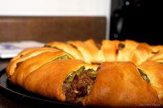 Cheeseburger Ring. Not too terribly time consuming. Man-pleaser! [MAIN DISH]