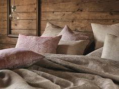 Chalet inspired coziness with Leitner Leinen pillows in our Zyklame and Terra colours. Branding Design, Colours, Throw Pillows, Inspired, Bedroom, Inspiration, Home, Pillows, Living Room