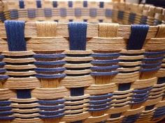 Basket Weaving Patterns, Willow Weaving, Paper Weaving, Hairpin Lace, All Craft, Scrappy Quilts, Weaving Techniques, Hair Pins, Baskets