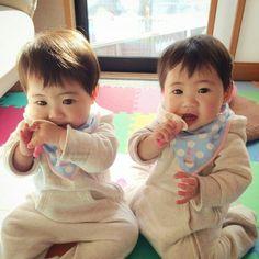 Fred Levi e Jorge Davi Half Asian Babies, Cute Asian Babies, Korean Babies, Asian Kids, Cute Babies, Twin Baby Boys, Twin Babies, Baby Kids, Cute Little Baby