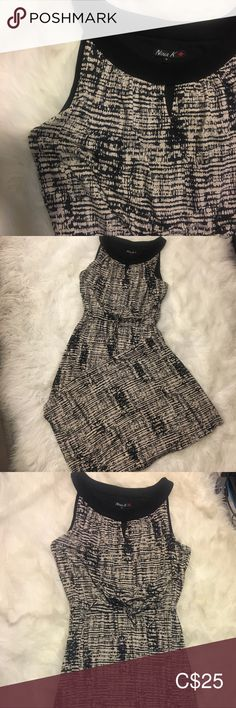 Maxi Dress Canadian Made Maxi Dress; Black and Beige; tie at waist; small keyhole at top Northern Reflections Dresses Maxi Plus Fashion, Fashion Tips, Fashion Trends, Dress Black, Beige, Crop Tops, Outfits, Vintage, Collection