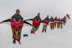 A Sky Full of Colour Cape Town International Kite Festival 2012 . Go Fly A Kite, Kite Flying, Sky Full, Cape Town, Colour, Trains, Color, Colors, Train