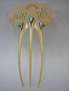 1903 Peigne Ombelles / les Arts Décoratifs. @designerwallace