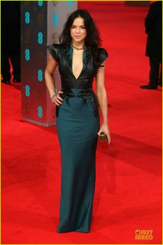 michelle rodriguez baftas 2014 red carpet 01 Michelle Rodriguez keeps it sexy in a plunging dress while attending the 2014 British Academy Film Awards held at The Royal Opera House on Sunday (February 16) in…