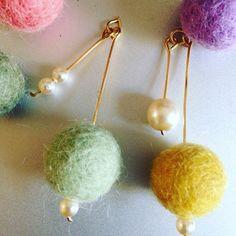 Felt ball earrings☆こんにちは!Kærlig…