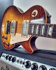 Amazing Les Paul R9 in Iced Tea finish from @juhaaitakangas Happy #Gibsunday! #lespaul #gibsonlespaul #gibsonguitars #lespaulr9 #fenderamps #studio33guitar