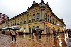 Mercado Público de Porto Alegre em dia de chuva